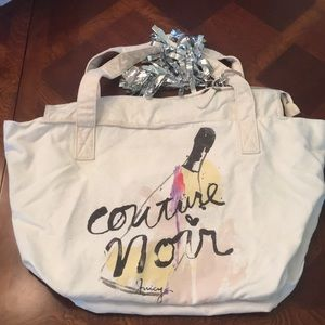 NEW! Juicy couture zipper tote/hobo with keychain